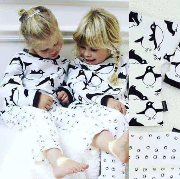 Eva Mouton- Pinguins - Sweat coupon 50cm e82002 000 1 1 pinguins sweat4