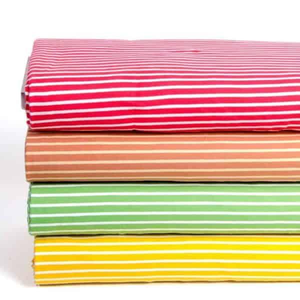 Stoffonkel- caramel wit streepjes streepjes met groen rood2 Aangepast
