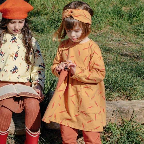 Katia - J31 - Chaperone Rouge Carrot - tricot j31 chaperone rouge carrot tricot 2102 31 02 katia g